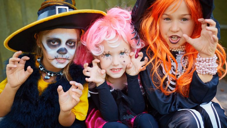 """Permalink to: """"5 easy steps to make a Halloween video with photos and music in minutes"""""""